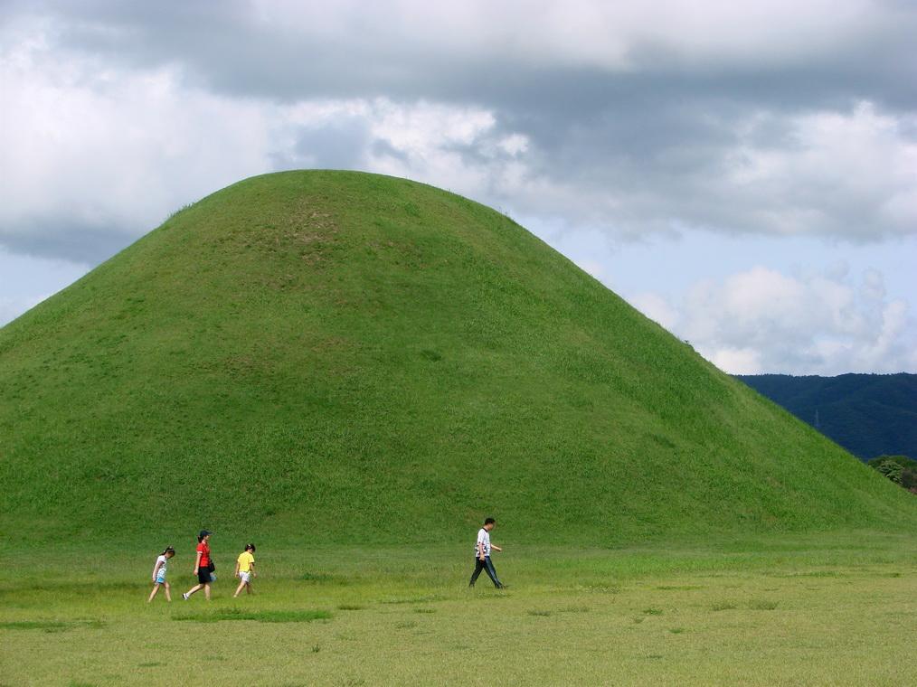 Пирамида курган фотогалерея краснеют, чешутся