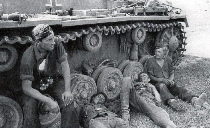 Немцам шлемы были не нужны. /Фото: onesixthwarriors.com.