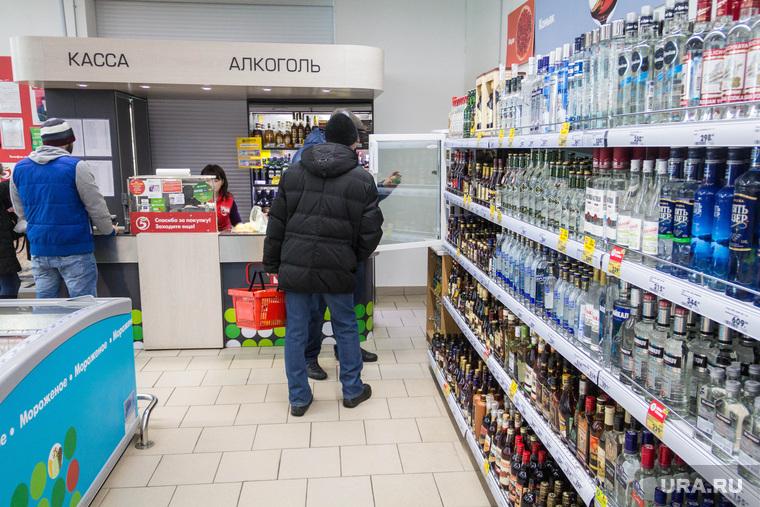 ФАС предложила добавлять рвотное средство в алкогольные суррогаты