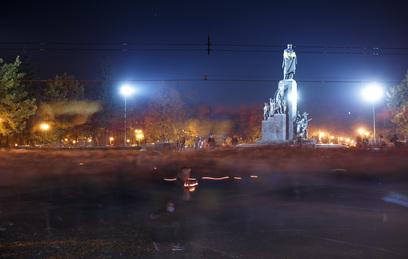 В Харькове взорвана стела с флагом Украины