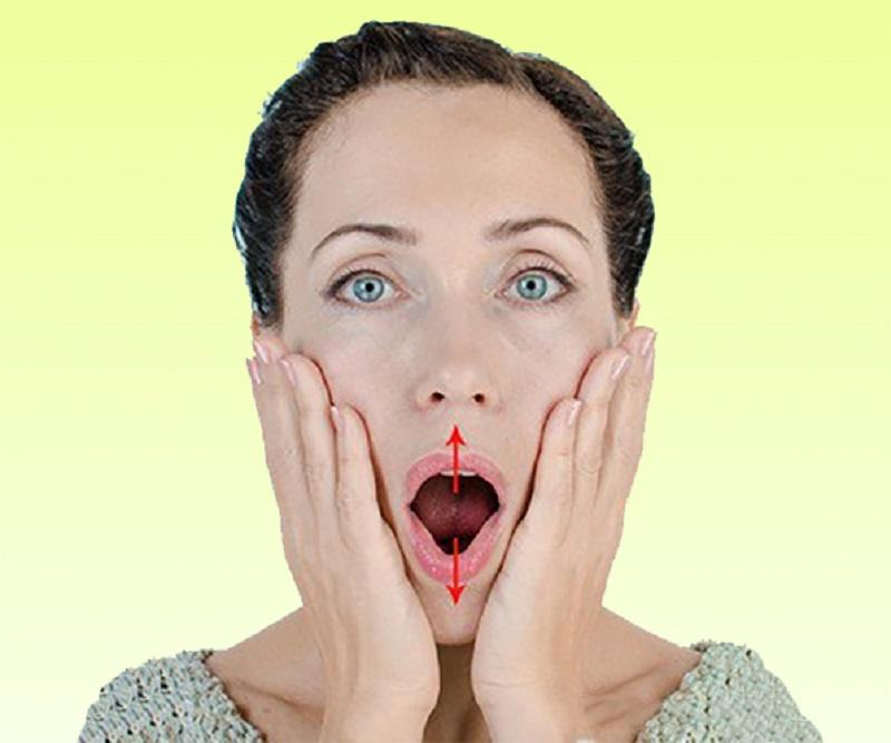 Чтобы подтянуть область вокруг рта, вот несколько упражнений… Разбудите неработающие мышцы!