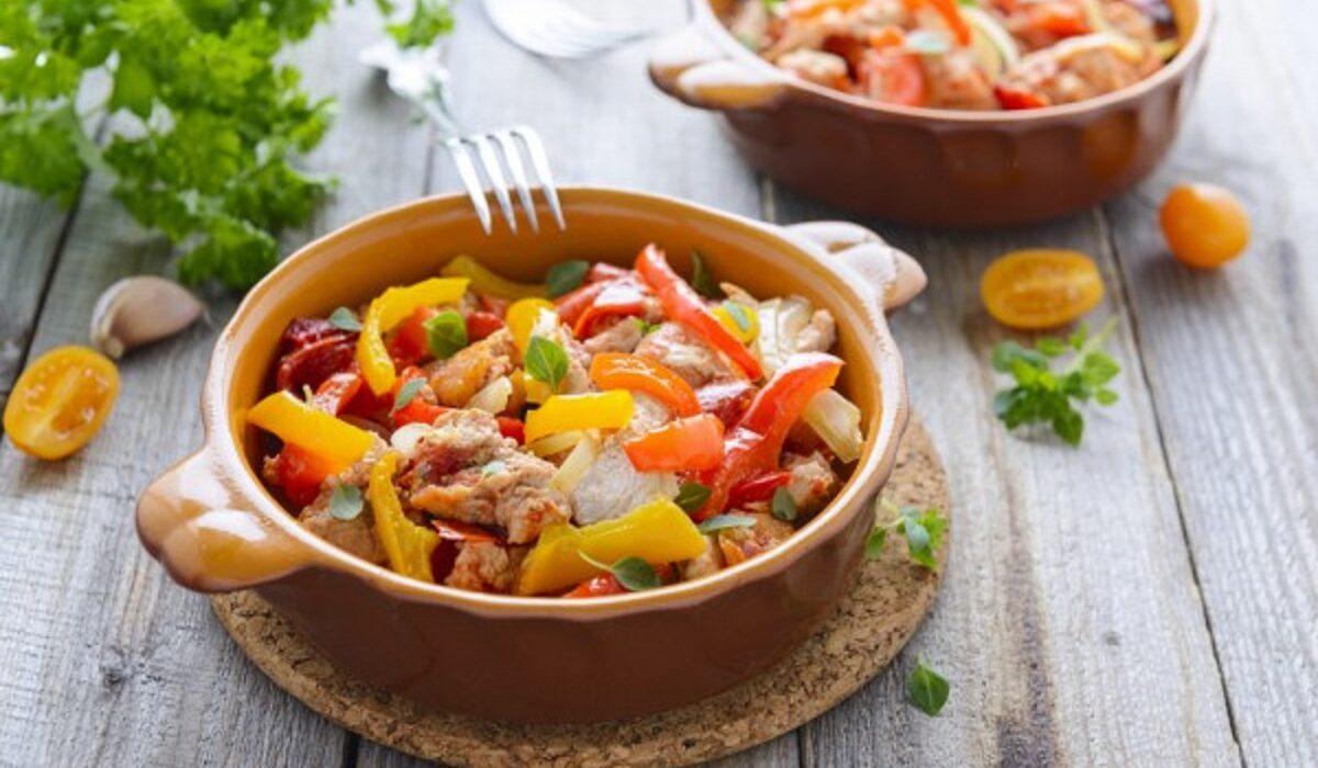 Обед в одной кастрюле: рецепт прекрасного тушеного цыпленка, идеально подходящего для дождливого дня блюда из курицы,мясные блюда
