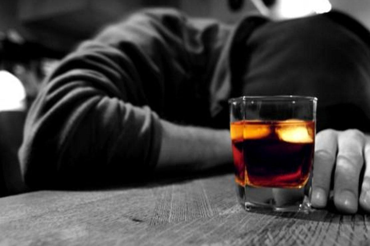 Алкоголизм будут лечить с помощью виртуальной реальности