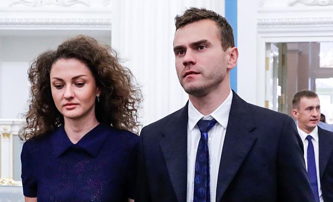 Игорь Акинфеев с женой и другие футболисты на церемонии награждения в Кремле
