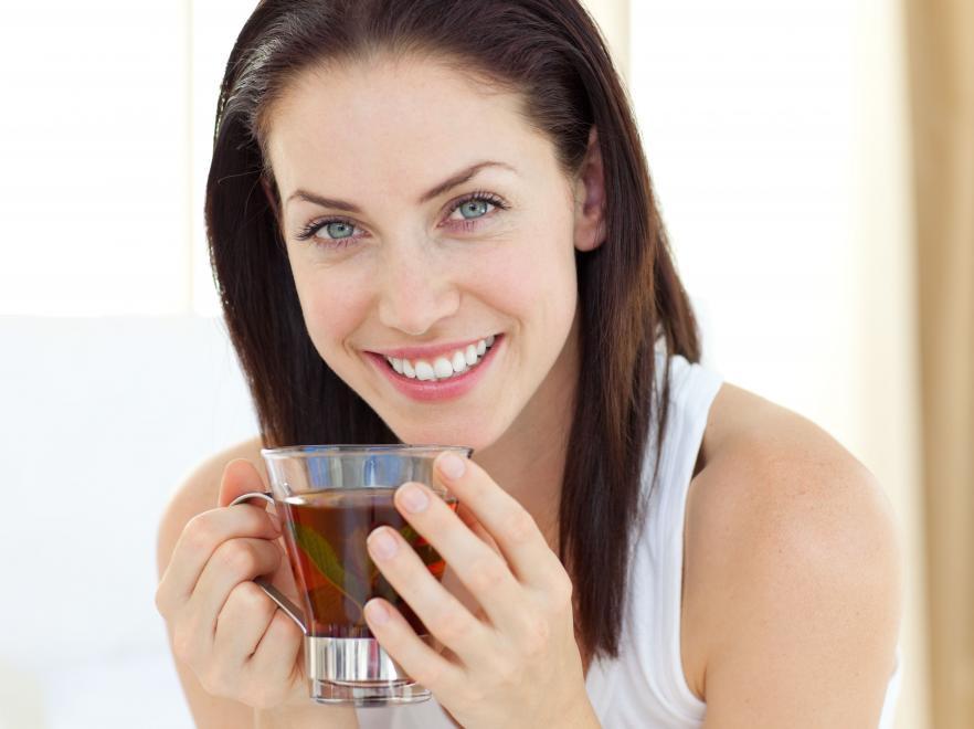 7. Пейте хотя бы одну чашку чая в день возраст, жизнь, люди