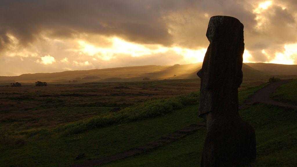 Каменные идолы острова Пасхи