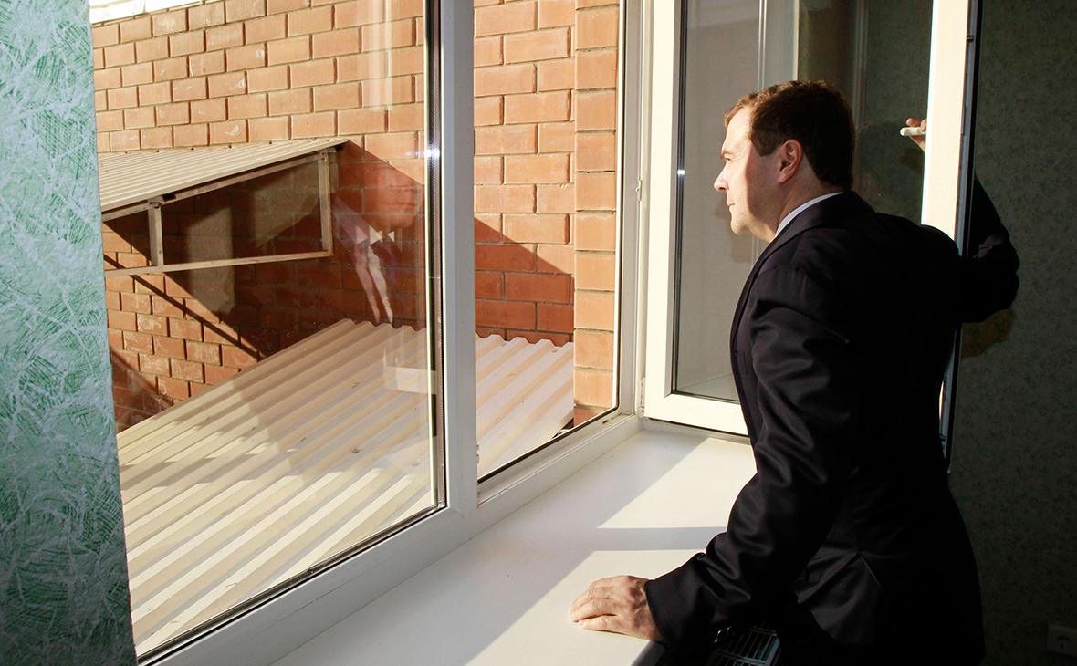 Хрущевки vs Медведки: Дмитрий Анатольевич заявил о возвращении к типовому проектированию в строительстве жилье,Медведев,общество,Путин,россияне