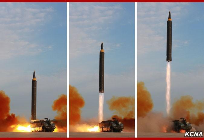 """Очередной запуск северокорейской БРСД """"Хвасон-12"""""""