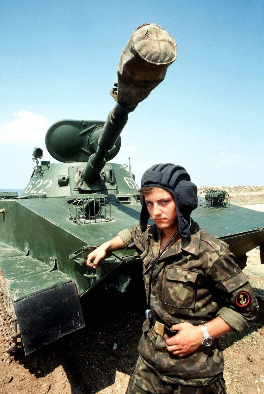 Картинка танкисты военные для детей, смешные про жару