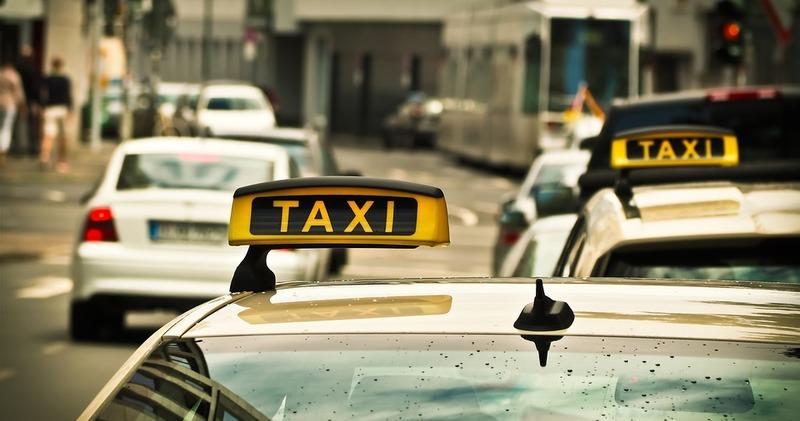 В Калифорнии появился сервис такси с беспилотными автомобилями