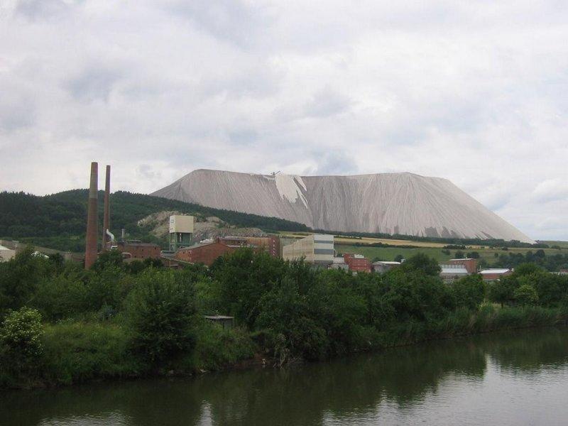 Самая большая в мире гора поваренной соли Монте Кали, гора, поваренная, соль
