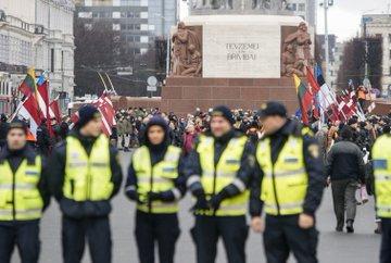 Двойная мораль Евросоюза: страны ЕС отгородились от России стеной фашизма