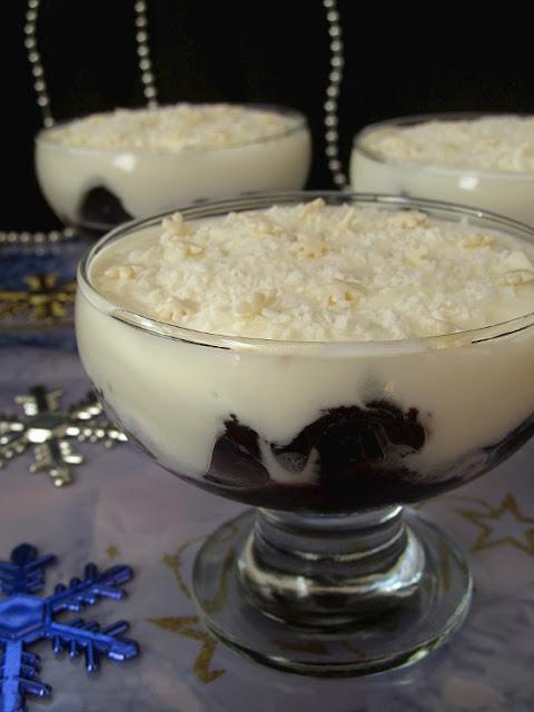 Чернослив в вине под сметанным соусом десерты,кулинария