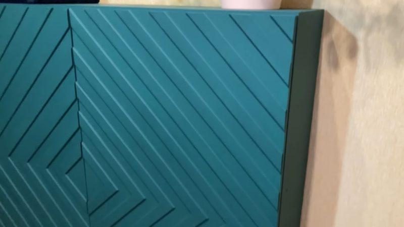 Эффектная переделка скучного шкафа с помощью простых реек
