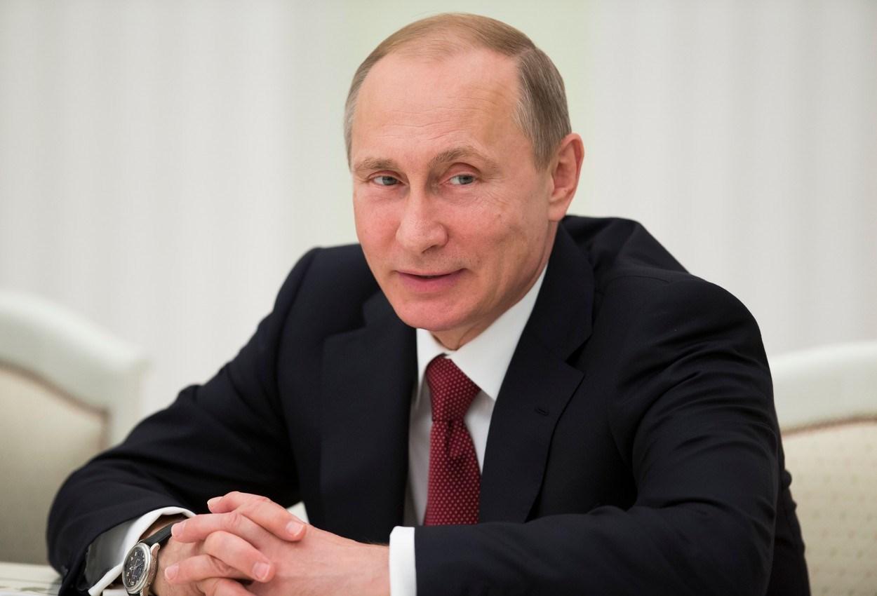 Путин назвал День Победы предостережением желающим испытать Россию на прочность