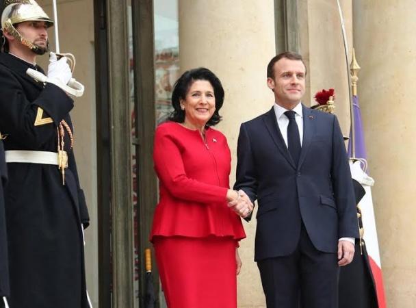 Президент Франции осудил про…