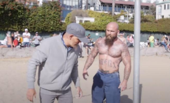 Мастер спорта переоделся в пенсионера и пришел на турники бросить вызов местным мастерам Культура