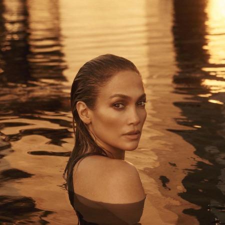Дженнифер Лопес позирует обнаженной на обложке нового сингла Фотосессии