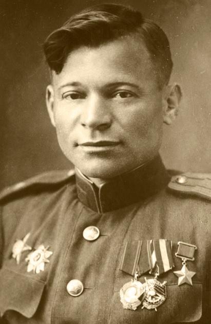 Герой Советского Союза Геннадий Гордополов -из пулеметасбил фашистана высоте 600 метров