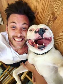 Собака-улыбака: американский пес из приюта покорил Интернет.