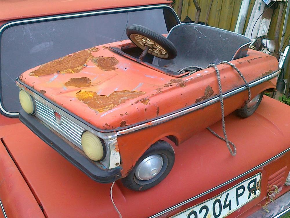 Реставрация педальной машинки «Москвич» 1991 года