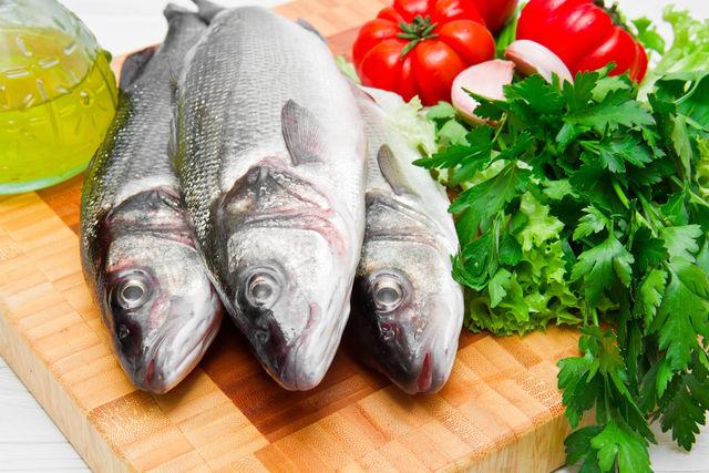 Не требуется особым способом обрабатывать рыбу, чтобы засолить таранку, — ее достаточно хорошо промыть и удалить внутренности, если рыба мелкая