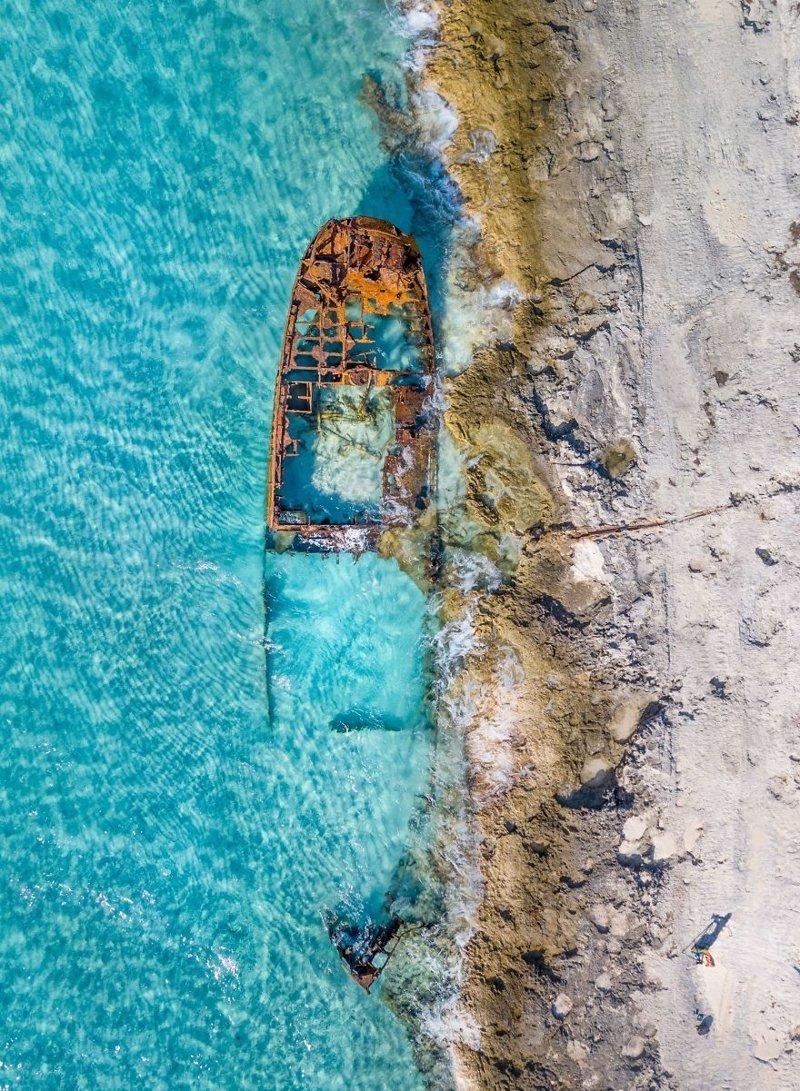 Обломки судна и фотограф, Виви Моле national geographic, конкурс, красота, природа, удивительно, фото, фотография, фотоподборка