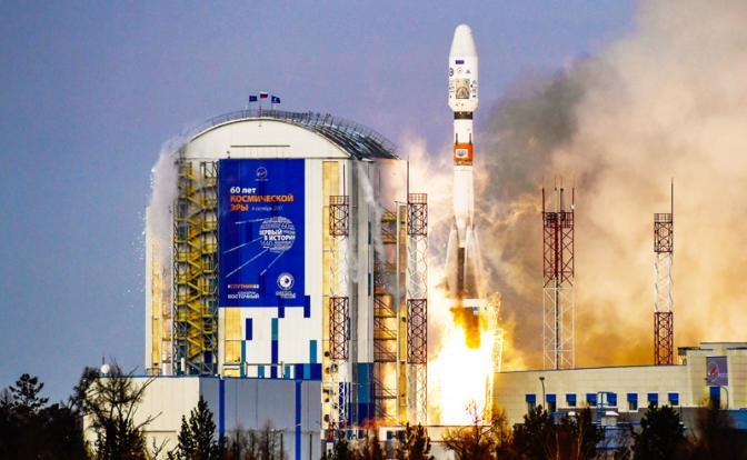 Долететь до Луны и умереть: Российский космос трещит по швам