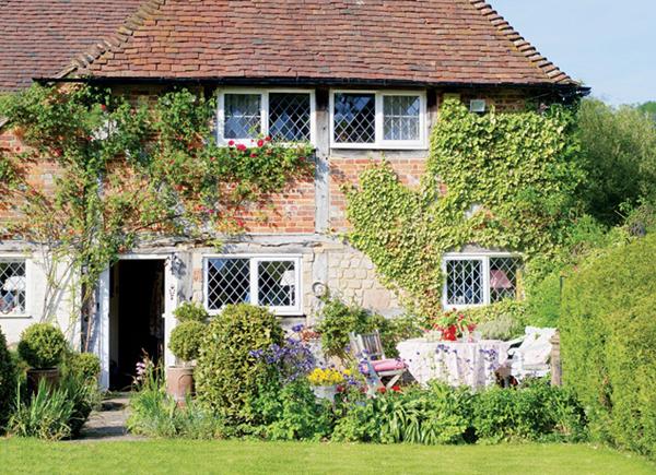 Английский деревенский уют —  домик 15 века, отремонтированный с большой любовью