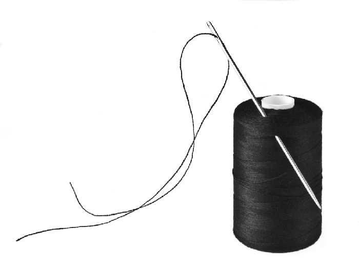 Смажьте концы нитки прозрачным лаком для ногтей, чтобы запросто продеть ее в иголку