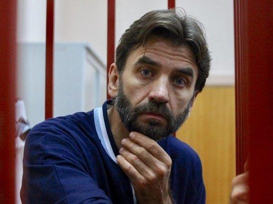 Абызов в суде заговорил о женитьбе: потенциальная невеста не уверена Экс-министр и мать его четвертого ребенка продолжили загадочные переговоры