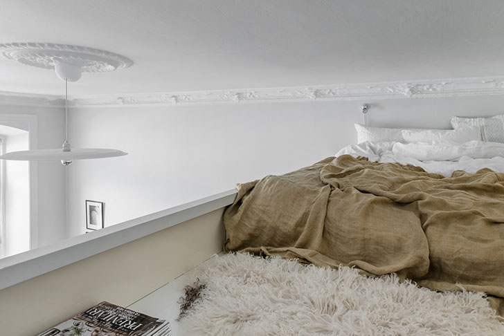 Просторная однокомнатная квартира со спрятанной спальней (50 кв. м)