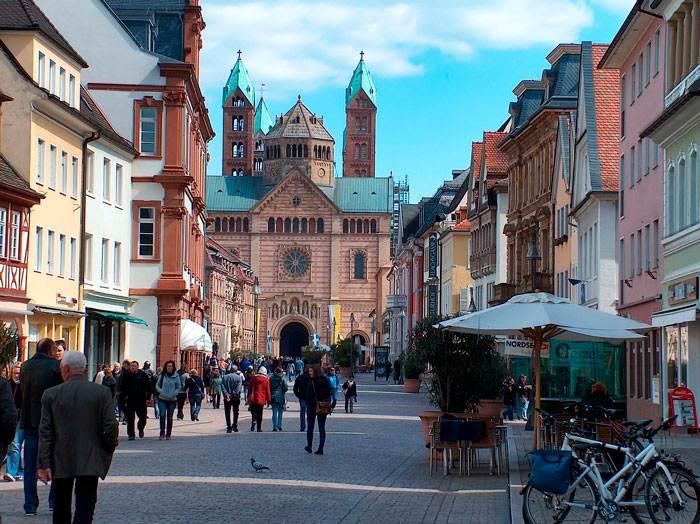 Как я ездила в Германию и пыталась привыкнуть к местным обычаям