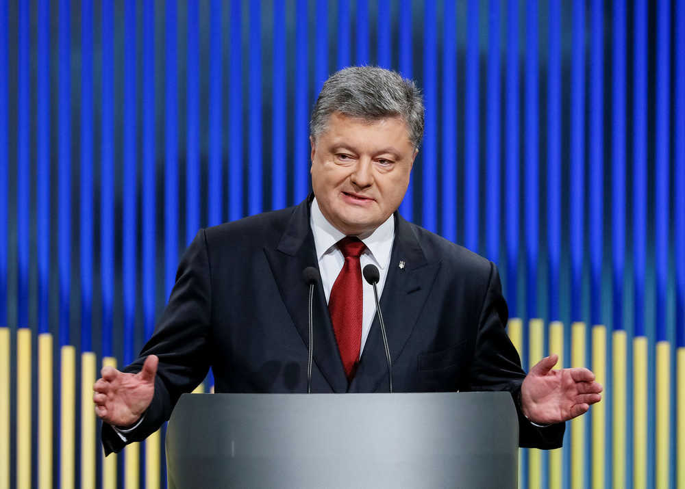 Порошенко спустили с небес на землю: у нынешнего лидера Украины нет шансов пройти во второй тур выборов