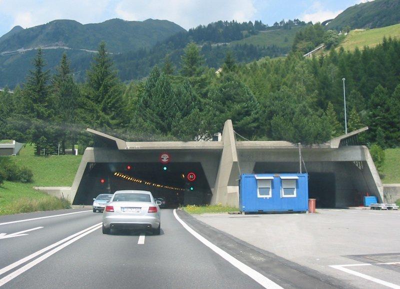 Тоннель Дьявола, Готардский автомобильный тоннель - год появления: 1980. Длина: 17 000 метров. интересное, красота, тоннели, удивительное, факты