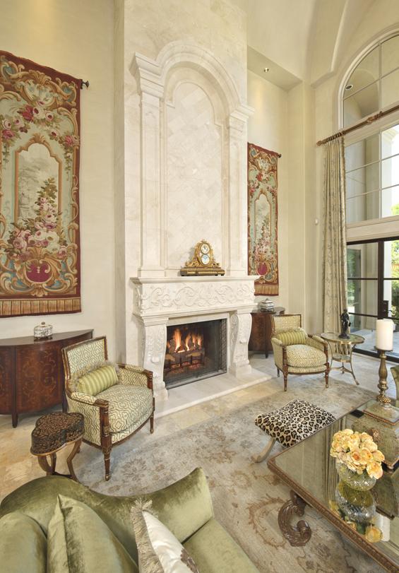 Хорошей идеей декора будет повесить такие произведения искусства по обе стороны от камина
