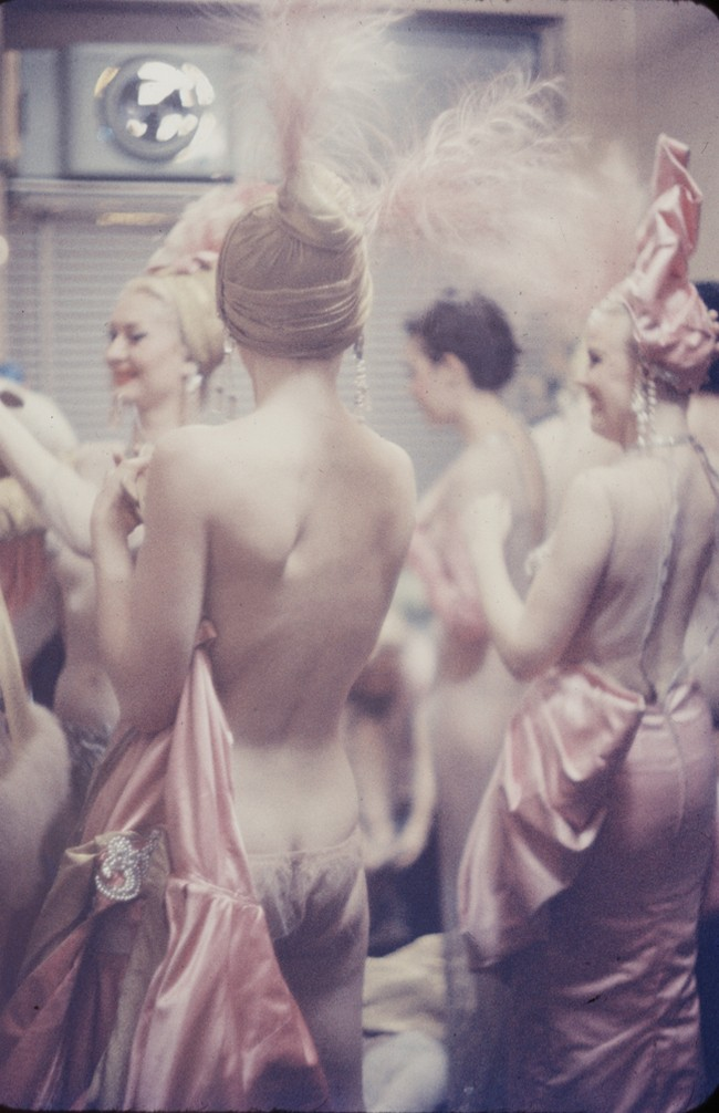 Жизнь за кулисами эротического шоу 1958 года