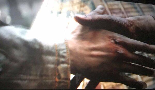 Вот оно, то самое, благородное рукопожатие...