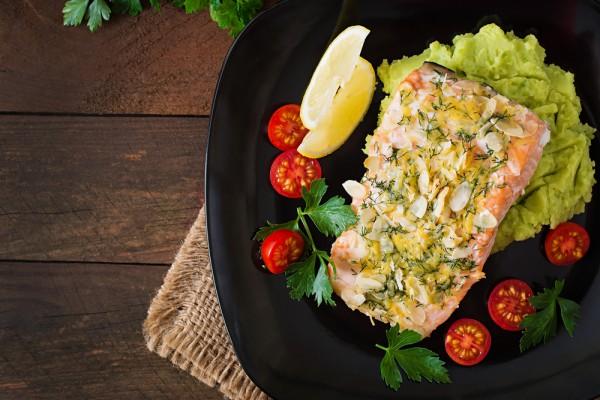 Запеченный лосось с картофел…