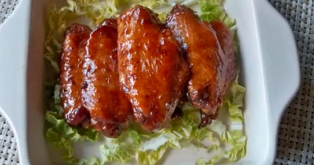 Используя 2 ингредиента и кока-колу, у вас получаться невероятно вкусные, нежные куриные крылышки