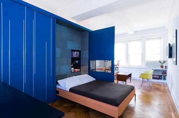 Мебельная стенка с откидной кроватью.