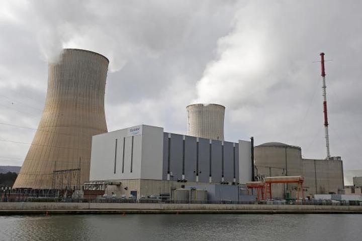 Германия просит Бельгию остановить два ядерных реактора на АЭС