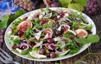 Осенний салат с фруктами