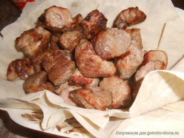 Свиной шашлык в маринаде из растительного масла.