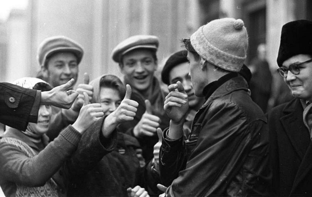 Чем жила и как развлекалась молодежь 60-х в Советском Союзе дальние дали