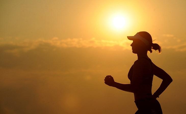 Тяжело просыпаетесь и до полудня чувствуете усталость? Советы, которые сделают ваш день ярче и продуктивнее