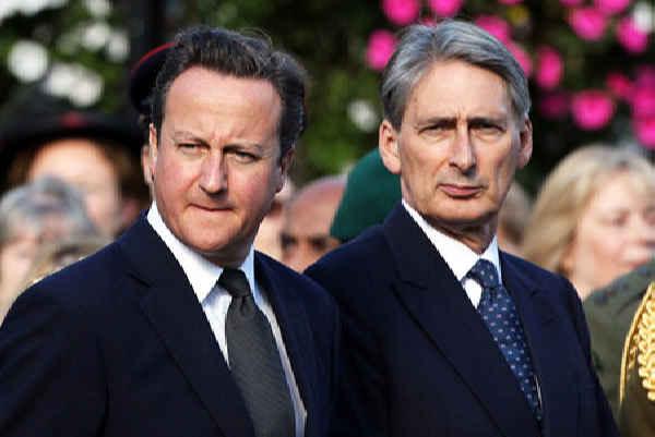 Великобритания требует у Рос…
