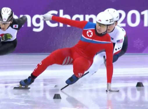 Корейский конькобежец повесе…