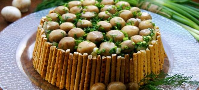 салат «Лесная поляна» с шампиньонами