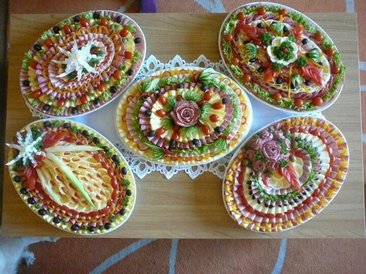 Как красиво оформить нарезки и салаты